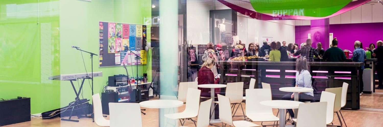 Kauppakeskus Revontuli Nuortentila Poppari - Shopping Centre Revontuli Youth Centre Poppari